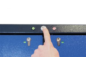 Push button with 2 LED and locking indicator