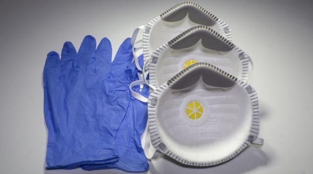FFP2 Medical Respirator & Nitrile Safety Gloves